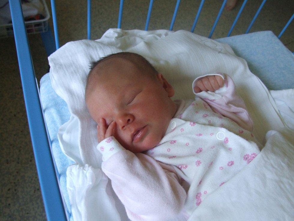 NATÁLIE PLÍHALOVÁ, narozena 31.5.2008, Býkov, váha 3,12 kg, míra 49 cm, maminka Lucie Krajčí, tatínek Jiří Plíhal.