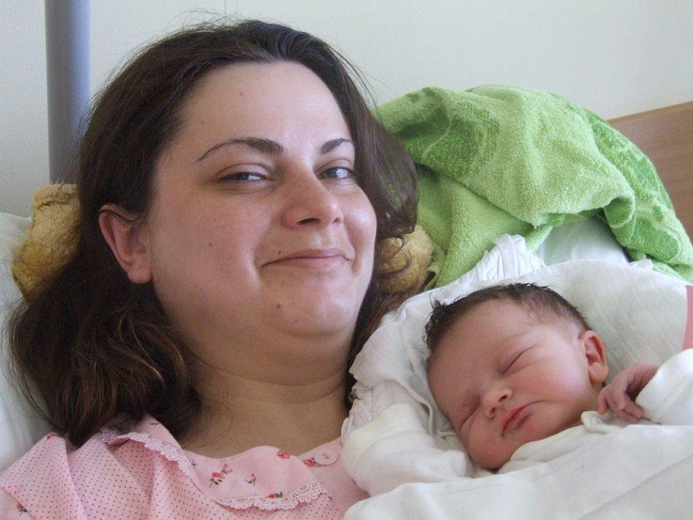KATEŘINA ŠEMBEROVÁ, narozena 1.6.2008, Ludvíkov,  váha 2,88 kg, míra 49 cm, maminka Nikola Šemberová, tatínek Pavel Šembera.