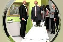 Krnovská nemocnice v únoru 2014 pořídila moderní tomograf řádově za 17 milionů korun. Za dobu provozu zde vyšetřili na 6,2 tisíce pacientů.