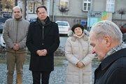 Leo Žídek přijel do Krnova uctít oběti komunistického režimu. Při té příležitosti zopakoval, že mu současná politická situace v mnohém připomíná měsíce před únorem 1948, kdy se komunisté dostávali k převzetí moci.