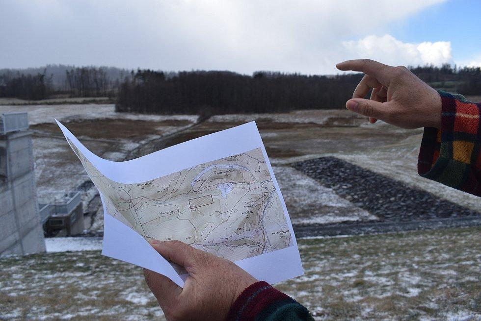 Jan Gemela před lety vymyslel Muzeum vidlí. Letos nadchl sousedy v Lichnově pro hledání zbytků středověké hornické vesnice Havranov, která zanikla v 15. století.