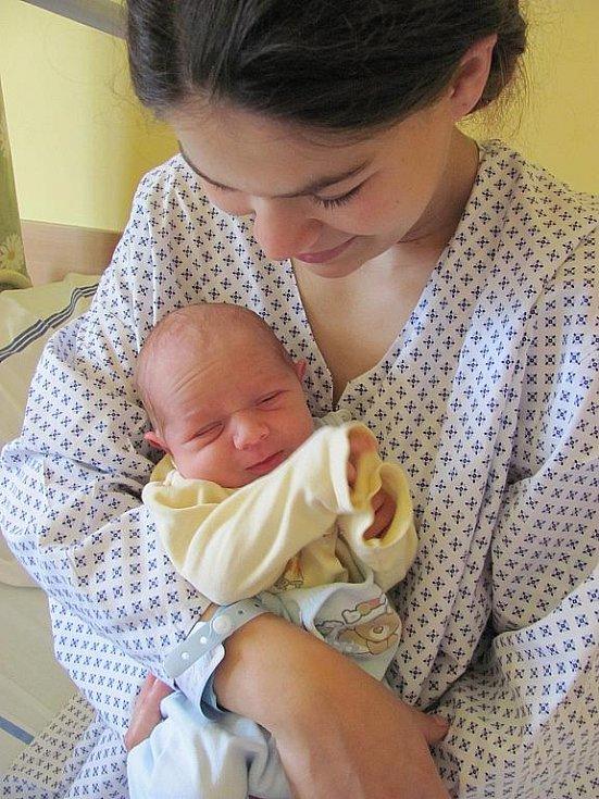 Armando Stojka, narodil se 13. července v 12:45, matka Angelika Stojková, otec Patrik Stojka, váha 2,660 kg, výška 47 cm (centimetrů), Horní Město