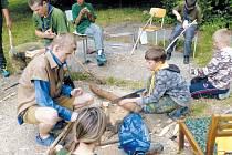 Zbojnický tábor na Oravě se nesl ve znamení 300. let od úmrtí zbojníka Juraje Jánošíka. Krnovští skauti z oddílu K3 si v rámci programu museli vyrobit vlastní zbojnickou valašku.