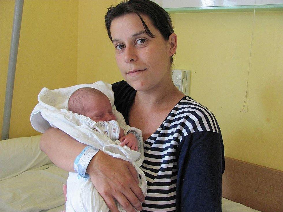 Miroslav Puška, narodila se 13. července v 6:44, matka Petra Pušková, otec Marian Dočkalík, váha 3,490 kg, výška 50 cm (centimetrů), Bruntál