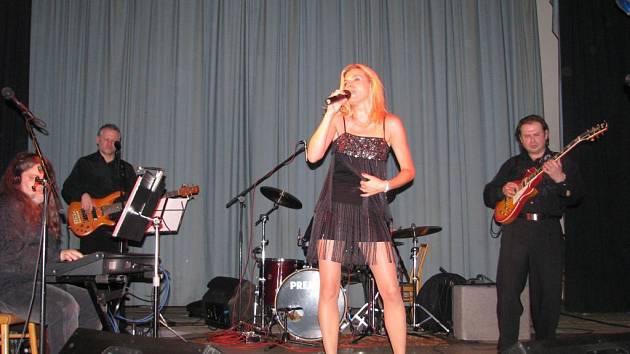 Leona Machálková byla ozdobou plesu v Leskovci nad Moravicí.