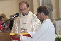 Celý týden připravoval organizačně městský úřad v Andělské Hoře poutní slavnost na Annabergu. Po příchodu Křížovou cestou na Anenský vrch byla odměnou věřícím i ostatním poutníkům mše svatá v kostele svaté Anny.