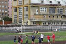 Krnovský lehkoatletický stadion, sokolovnu a přilehlé pozemky původně vlastnily organizace TJ Sokol a TJ Krnov. Protože kvůli komplikovanému spoluvlastnictví měly problém získat finance na údržbu, v roce 2011 bezplatně darovali celý sportovní areál městu.