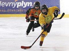 Mladí krnováci nedali na vlastním ledě Černým vlkům z Rožnova šanci. Dál patří k neporaženým celkům soutěže.