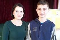 Vítěz olympiády, Marek Palis, se svou učitelkou dějepisu, Ivanou Hofírkovou.