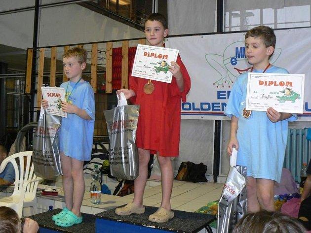 Bruntálským nejmladším plavcům se na závodech v Brně Fego EMME golden Cup 2012 dařilo.