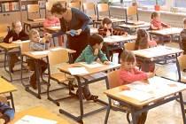 Celé odpoledne se učitelky krnovské základní školy věnovaly budoucím prvňáčkům a zábavnou formou jim ukazovaly, co je příští rok čeká.