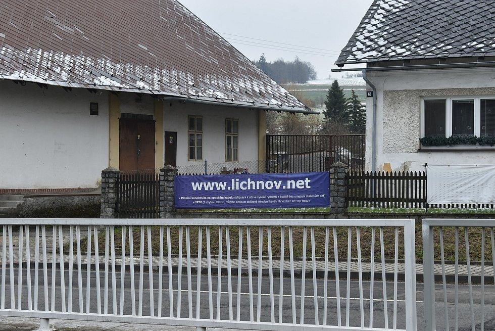 K Lichnovu  (Lichten) patří také místní část Dubnice  (Taubnitz).