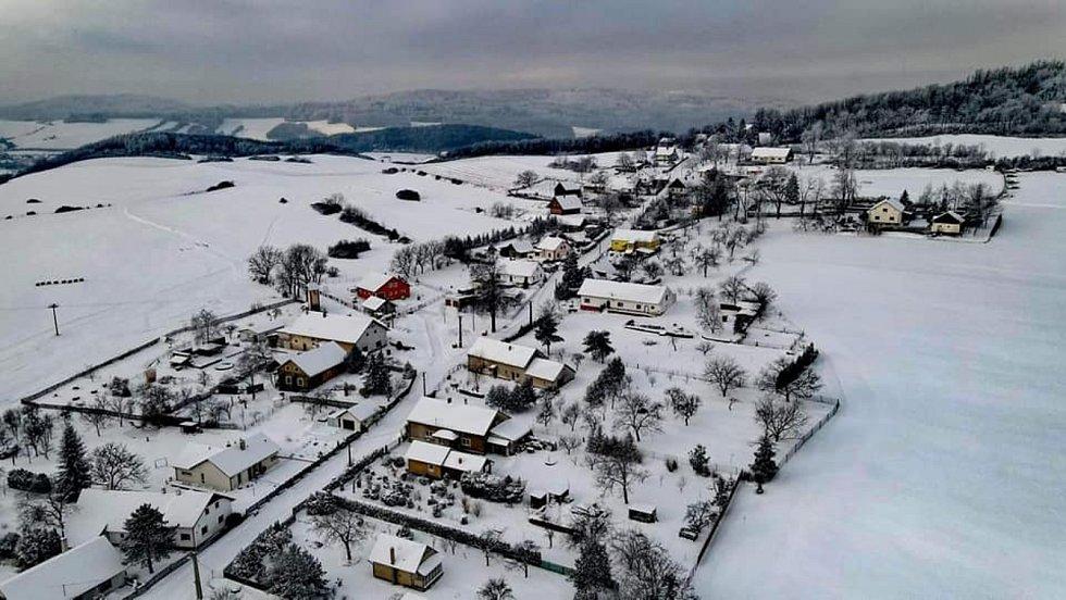Krásu zasněžené Liptaně objevil pomocí dronu Zdeněk Caisberger.