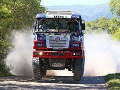 Šestou pozici držel od začátku první etapy Rallye Dakar kamionista Martin Kolomý ze Starého Města u Bruntálu. Pak mu ovšem hořela pneumatika.