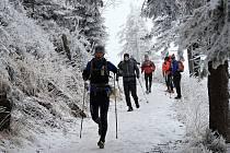 O víkendu se houfy nadšenců rozhodly pokořit nástrahy Lysé hory, nešlo však o žádný výstup, ale závod v běhu okolo nejvyšší hory Moravskoslezských Beskyd na dvacet čtyři hodin.