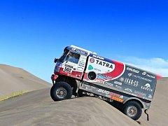 Pondělní druhá etapa Rallye Dakar posádky vyvezla ze San Luis do San Rafael. V součtu čekalo závodníky 765 kilometrů, z nich čtyři stovky měřených.