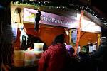 Tradiční adventní jarmark na krnovském náměstí.