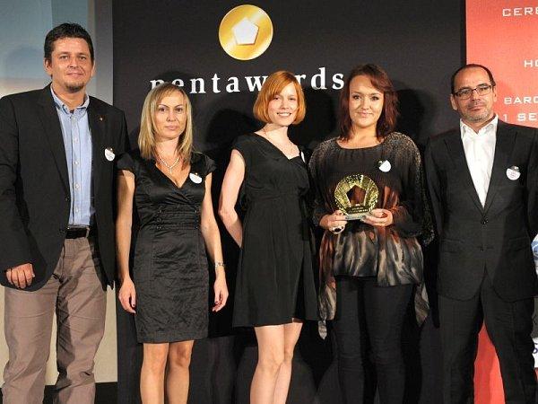 VBarceloně vybojoval tým designerů Jupíku zlato za obaly celé řady svých produktů. Vcelosvětové designérské soutěži Pentawards letos bojovalo vhlavních kategoriích více než 1400obalů ze 49zemí světa.