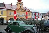 Maxim opět oblékl vojenské uniformy z druhé světové války a zahrál si ve filmu. Krnovany uvidíme po boku známých herců ve filmu Tenkrát v ráji, který se inspiroval skutečnými osudy českých a německých horolezců.