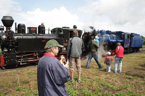 Osoblažka začíná novou sezonu 8.května se dvěma parními lokomotivami. Vlak potáhne černá rumunská Rešica imodrý Malý štokr ze Škodovky.