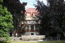 30. června skončila po devíti měsících generální rekonstrukce Flemmichovy vily za devět milionů korun.