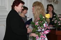 Krnovští pedagogové převzali 28. března u příležitosti Dne učitelů ocenění v obřadní síni radnice. Šárka Richterová