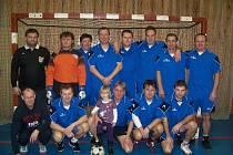 VÍítězem Silvestrovského turnaje seniorů 2009 se stali fotbalisté Slavoje Bruntál v sestavě: Czakan, Zabloudil, Samson, Šanda, L. Hanák, Švajda, Škultéty, Niessner, Svoboda, Zatloukal, Gánovský, a rozhodčí Roman Vrážel.