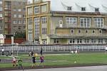 Krnované mají atletický stadion spojený se školními hodinami tělocviku. Od dob, co se zde  cvičily spartakiády, se mnoho nezměnilo.