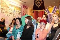 Výstava v budově textilního podniku Hedva Brokát.