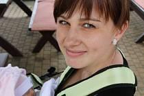 Lucie Dvořáková s holčičkou Stefanií Laurou už se něco nacestovala mezi Bruntálem a Krnovem kvůli chybějící lékařské péči v okresním městě.