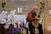 Koncert Štěpána Raka na Cvilíně uspořádala Římskokatolická farnost Krnov a Hudební sdružení Krnov s podporou Města Krnova.