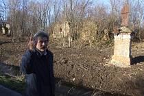 Ryszard Brzezinski bydlí na svém zámku v polském Pielgrzymowě pár metrů od pohraničního potoka Hrozová.