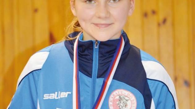 Adéla Matušková předvedla na republikovém šampionátu výborné výkony a vybojovala bronzovou medaili.