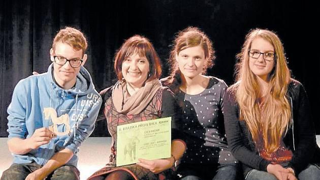 Žáci literárně dramatického oboru pod vedení Markéty Juroškové Bezručové sklízejí úspěchy v soutěžích.