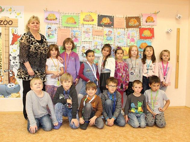 Pro Základní školu Bruntál, Školní 2se vžil název Petrin. Dnes vám představujeme prvňáčky z1. Aspolu střídní učitelkou Šárkou Bradovou.