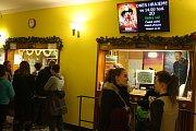 K Vánocům v krnovském kině Mír tradičně patří štědrovečerní pohádka. V pondělí 24. prosince se kino Mír zaplnilo rodinami, které přišly na pohádkou Úžasňákovi II.