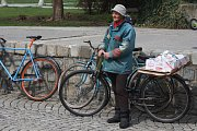 Retro cyklistika si v Krnově našla fanoušky.