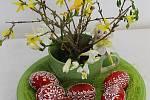 S jakou láskou a pečlivostí vyrábějí vrbenští obyvatelé každého věku velikonoční dekorace, o tom se můžete sami přesvědčit ve Střeše na ulici Ve Svahu.