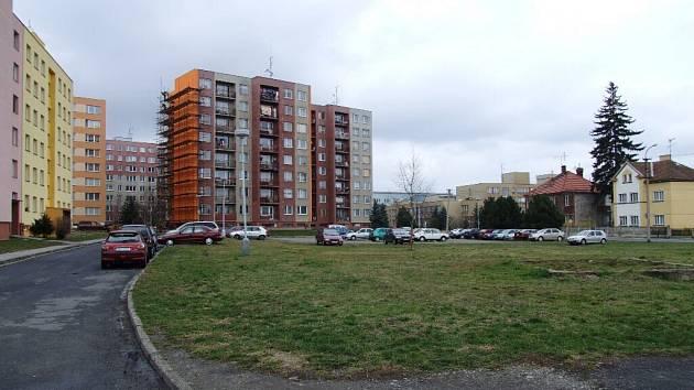 Na tomto místě již brzy vznikne parkoviště s kapacitou 127 míst.