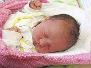 Jmenuji se VALENTÝNKA KALMUSOVÁ, narodila jsem se 25. ledna, při narození jsem vážila 3320 gramů a měřila 48 centimetrů. Moje maminka se jmenuje Kateřina Kalmusová a můj tatínek se jmenuje Jaromír Kalmus, doma na mě čeká bráška Tadeášek. Bydlíme v Krnově.
