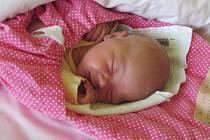 Jmenuji se LUCINKA URBANOVÁ, narodila jsem se 8. července, při narození jsem vážila 3955 gramů a měřila 51 centimetrů. Rodiče se jmenují Lucie a Tomáš, doma se na mě těší sestřičky Nikolka a Terezka. Bydlíme ve Starém Městě.