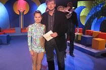 Bruntálská nadějná moderní gymnastka Veronika Kašpaříková s moderátorem televizního pořadu Alešem Cibulkou.