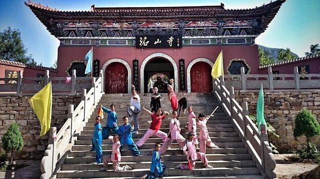 Vroce 2012založil Martin Lee vBruntále Kung-fu akademii, tomuto bojovému umění se ale věnuje celý život, studoval jej včínských klášterech.