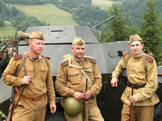 Klub vojenské historie Maxim dosud u Králík vždy bojoval a prohrával v německých uniformách. Cihelna 2013 se odehraje u Králík 17. srpna a někteří Krnováci zde poprvé okusí v uniformách Rudé Armády, jak chutná vítězství.