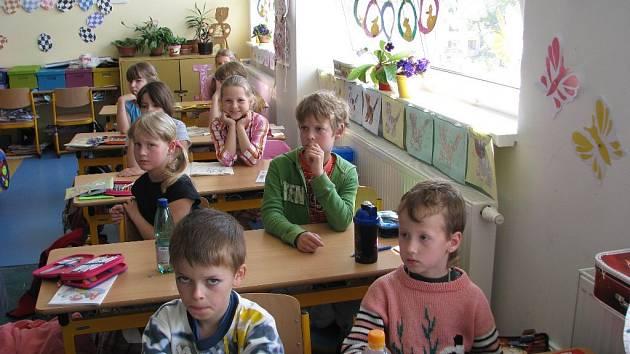 Třídy nižších stupňů na Základní škole Janáčkovo náměstí Krnov jsou jako malované a dětem se v nich líbí.