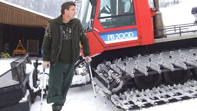 Dva týdny po amputaci nohy se Pavel Štangler vrátil na sjezdovku ve Vraclávku, kde při nočním úrazu málem přišel o život.
