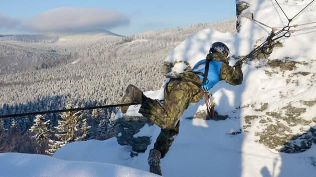 Jeseníky hostily mezinárodní Mistrovství Armády České republiky v zimním přírodním víceboji Winter Survival 2019.