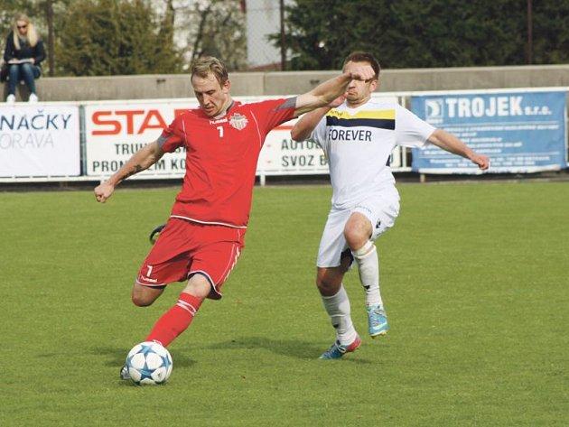 Krnov měl šancí na pět utkání, o oba góly se postaral malý velký muž Ondřej Bartoníček (vpravo).