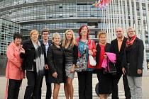 Delegace si na své výpravě do Francie našla čas na poznávání evropského parlamentu, ochutnávku francouských vín i prohlídku pamětihodností u Bodamského jezera v Německu.