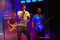 NightWork v čele s Vojtou Dykem předvedli v klubu Kofola bravurní show ve kterém nechybělo ani aerobikové vystoupení.